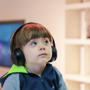 النمو السلوكي والعصبي واللغوي للطفل